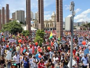 http://www.mariliacampos.com.br/fotos/15032017-manifestacao-greve-geral-caminhada-praca-da-estacao-contra-a-reforma-da-prvidencia