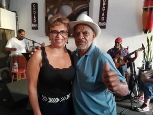 http://www.mariliacampos.com.br/fotos/aniversario-do-grupo-de-samba-essencia---bar-opcao-caicara-bh-