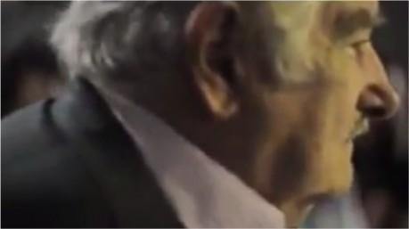 Emocionante, Pepe Mujica fala aos jovens do Rio