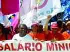 3.Salário Mínimo: com FHC, R$ 200,00; com Lula e Dilma, R$ 788,00. Aumento real foi de 76,54%