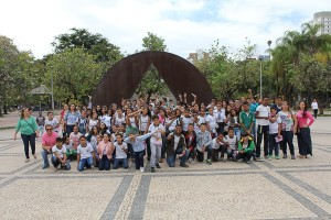 http://www.mariliacampos.com.br/fotos/15052017-visita-dos-alunos-da-escola-maria-das-marces---ibirite-a-almg--