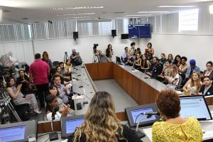 http://www.mariliacampos.com.br/fotos/10-12-2019-a-importancia-da-educacao-na-prevencao-a-violencia-contra-a-mulher-e-ao-feminicidio