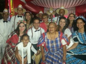http://www.mariliacampos.com.br/fotos/festa-junina-no-bairro-riacho-em-contagem--