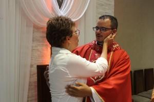 http://www.mariliacampos.com.br/fotos/25042018-missa-em-acao-de-gracas-pelos-4-anos-de-sacerdocio-do-pe--filipe-lucas