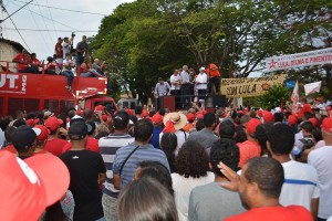 http://www.mariliacampos.com.br/fotos/29102017-caravana-do-lula-em-codisburgo-mg