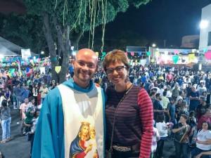 http://www.mariliacampos.com.br/fotos/festa-da-padroeira-nossa-senhora-do-sagrado-coracao---contagem-25052019