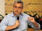 """Mário Magalhães: """"No outono, Aécio ficou só (enquanto Dilma era aplaudida no Brasil e no exterior)"""