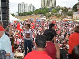 http://www.mariliacampos.com.br/fotos/24102017-caravana-do-lula-em-governador-valadadres