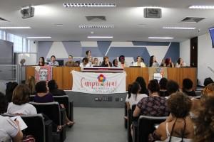 http://www.mariliacampos.com.br/fotos/14032019-audiencia-publica--discute-flexibilizacao-de-posse-de-armas-favorece-feminicidio