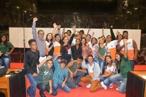 http://www.mariliacampos.com.br/fotos/19042017-entrevista-dos-alunos-da-escola-municipal-gloria-marques-a-dep--marilia-campos-na-almg
